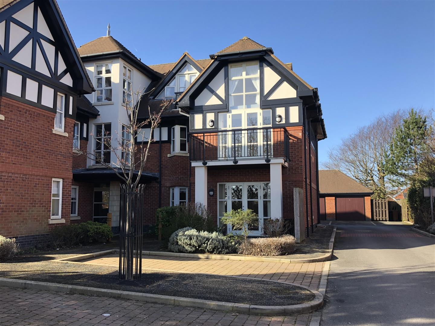 3 Bedrooms Apartment Flat for sale in The Royals, Links Gate, Lytham St. Annes